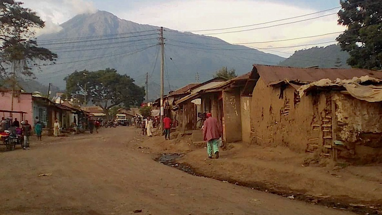 kijenge_mountain_road