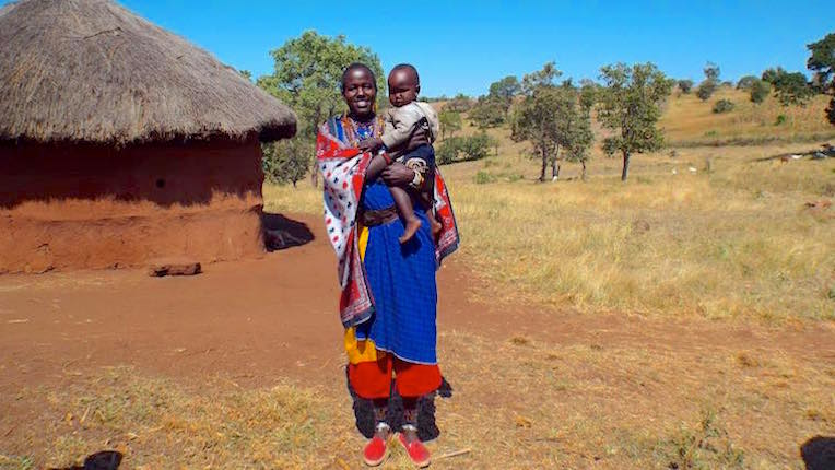 maasai_woman_w_child_2105_ss.jpg
